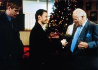 FACE, Robert Carlyle (center), Peter Vaughan (right), 1997, © New Line
