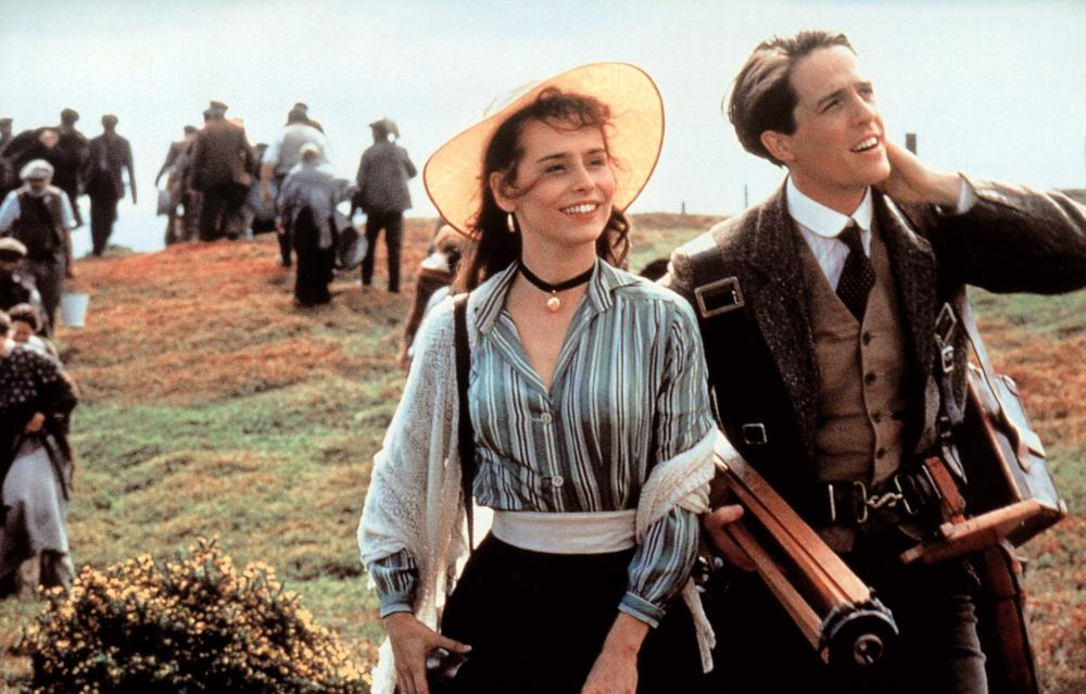 THE ENGLISHMAN WHO WENT UP A HILL BUT CAME DOWN A MOUNTAIN, from left: Tara Fitzgerald, Hugh Grant, 1995. ©Miramax