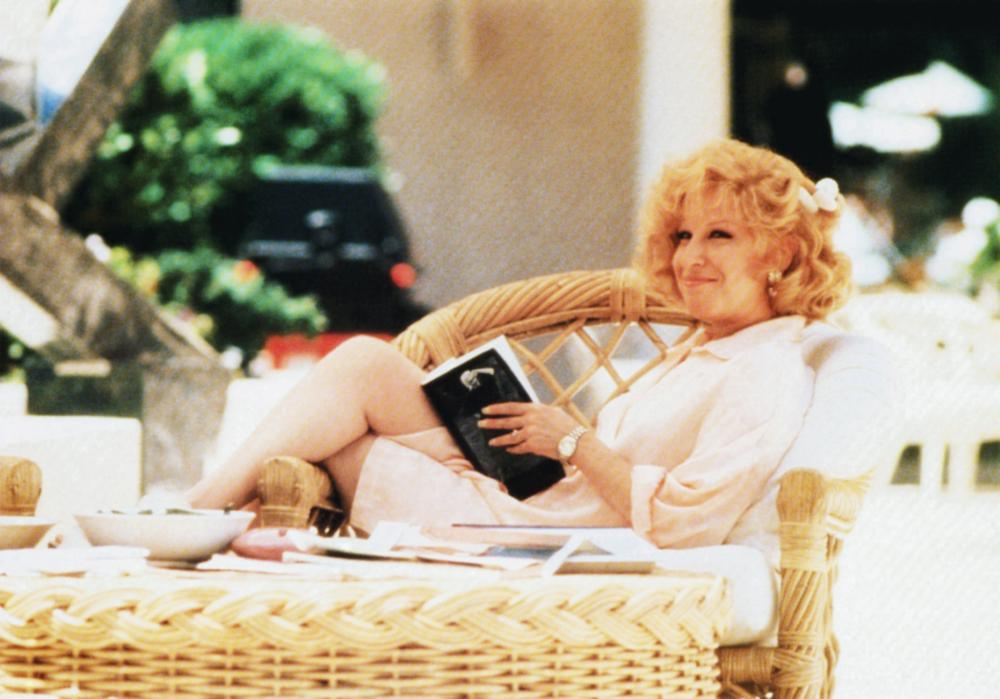 DOWN AND OUT IN BEVERLY HILLS, Bette Midler, 1986, © Buena Vista