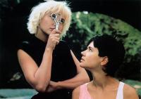 DEUX MINUTES DE SOLEIL EN PLUS, Pauline Lafont, Catherine Wilkening, 1988, (c) AMLF