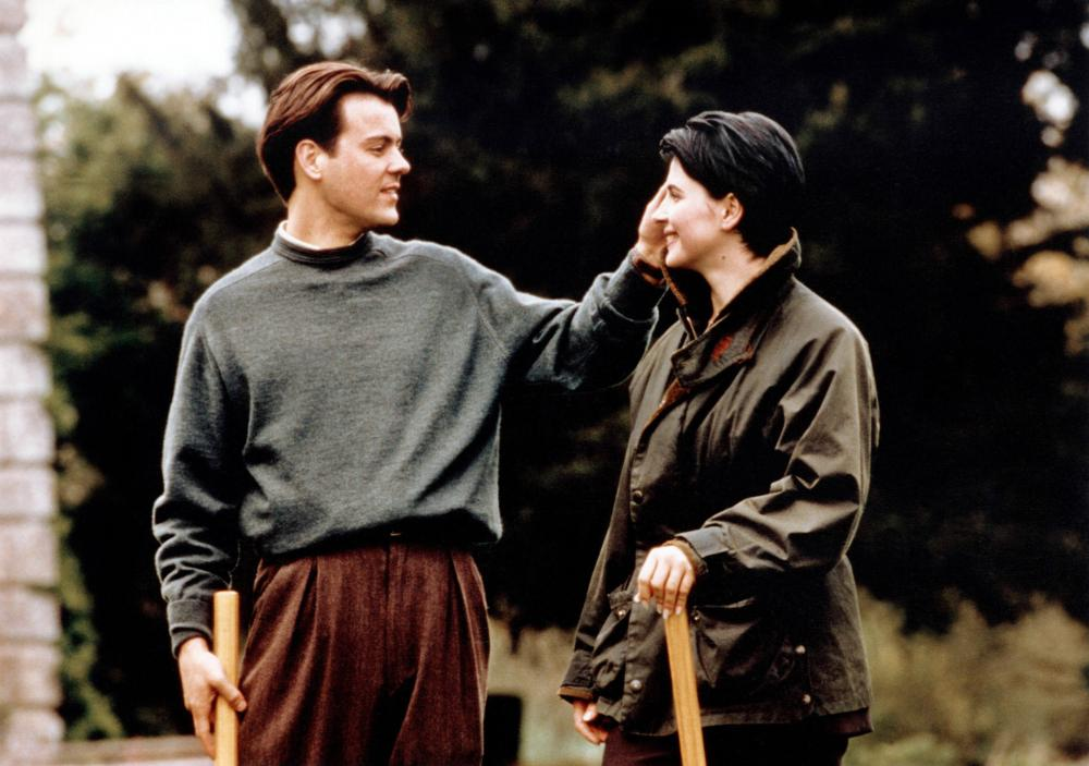 DAMAGE, (aka FATALE), from left: Rupert Graves, Juliette Binoche, 1992. ©New Line Cinema