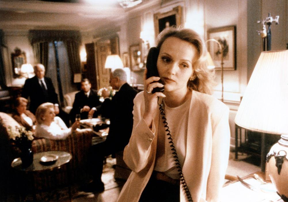 DAMAGE, (aka FATALE),  Miranda Richardson (foreground), 1992. ©New Line Cinema