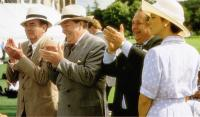 THE BROWNING VERSION, applauding from left: Albert Finney, Michael Gambon, Greta Scacchi (far right), 1994, © Paramount