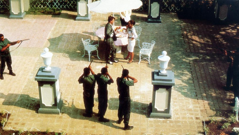 THE BLUE IGUANA, (at table) Dylan McDermott, Jessica Harper, 1988, (c) Paramount