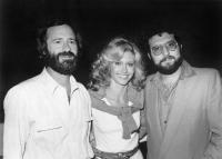 XANADU, producer Lawrence Gordon, Olivia Newton-John, co-producer Joel Silver on-set, 1980. © Universal